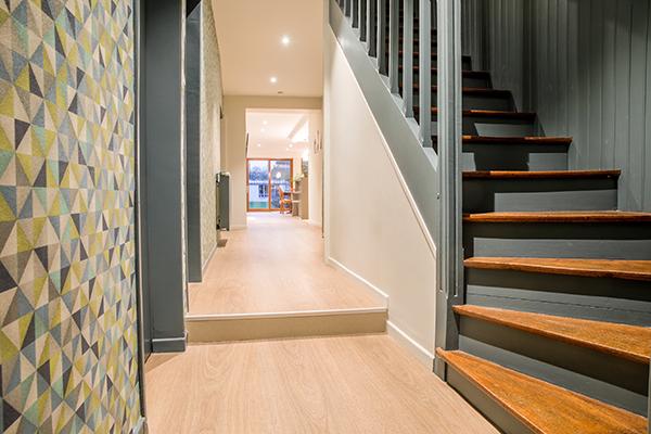 renovation escalier peinture papier peint fabien denis. Black Bedroom Furniture Sets. Home Design Ideas