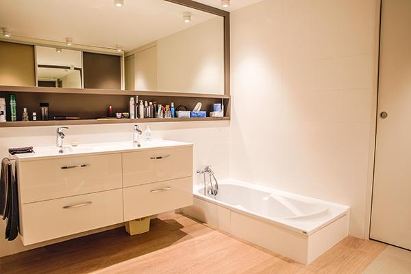 salle de bain miroir carrelage design fabien denis. Black Bedroom Furniture Sets. Home Design Ideas